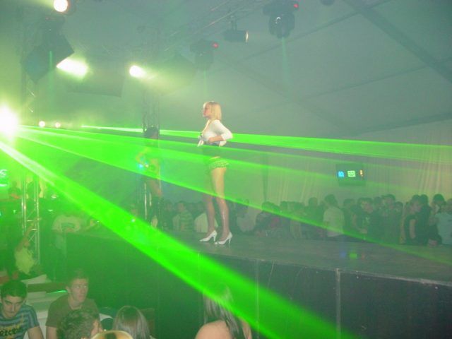 Weekend-ul aduce în cluburile din Timişoara o serie de party-uri şi evenimente live.