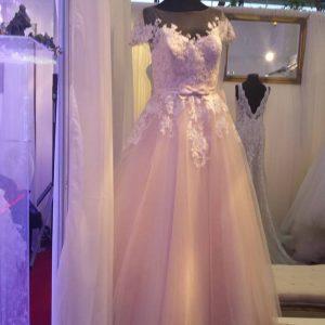 rochie mireasa roz-prafuit