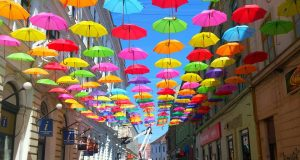 umbrele colorate