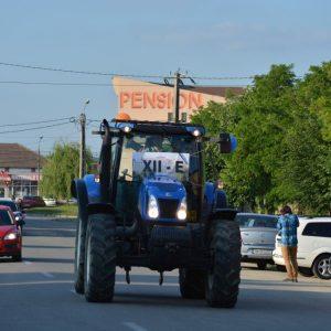 tractor banchet