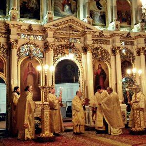 Iconostasul catedralei din Arad pictată de Ioan Zaicu