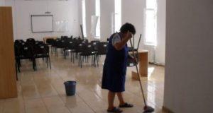 femeie serviciu