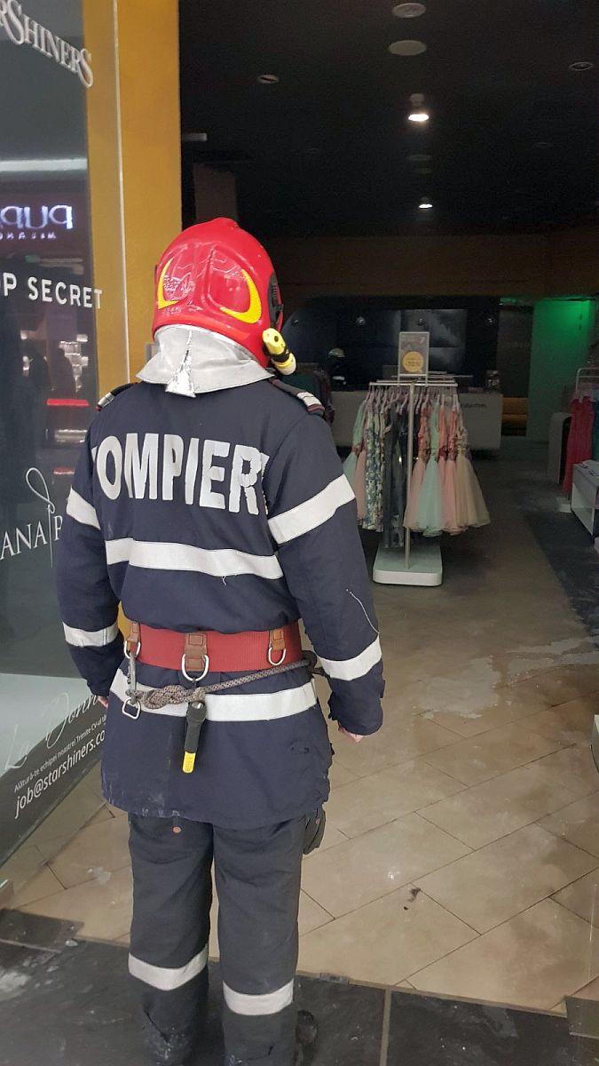 Incendiu La Shopping City Timi Oara Unul Din Magazinele