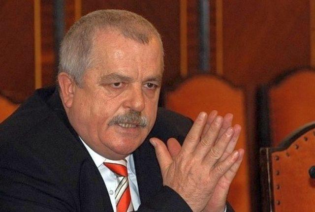 A murit fostul ministru Decebal Traian Remeș